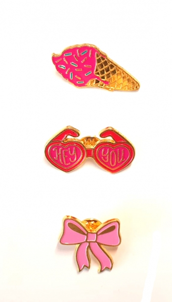 SUPERVINTAGE PINS 3 pieces ICECREAM